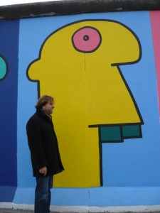 Stephan in front of the East side Gallery in Berlin